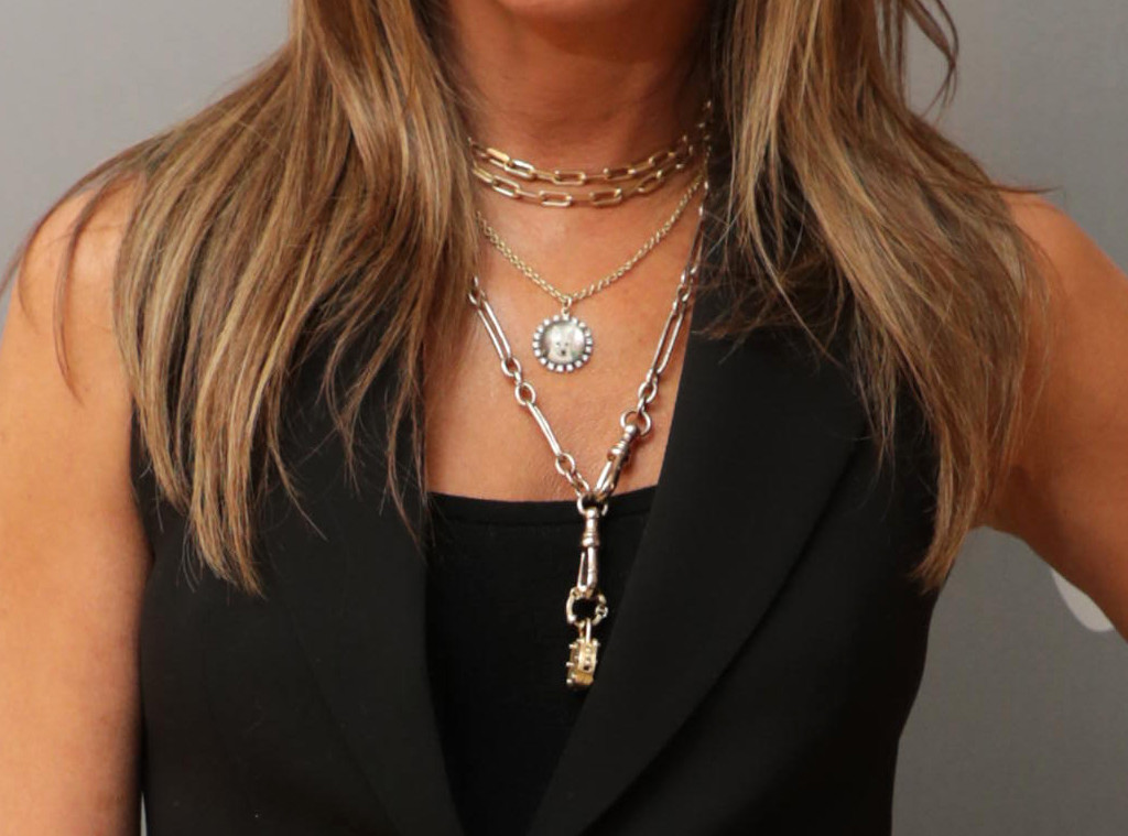"Jennifer Aniston, Dolly Necklace ""data-width ="" 1024 ""data-height ="" 759"