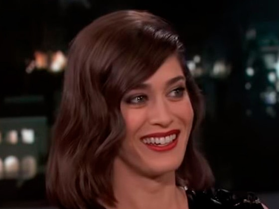 Lizzy Caplan's NSFW Story About Her Husband and a Urinal Is a Real Treat