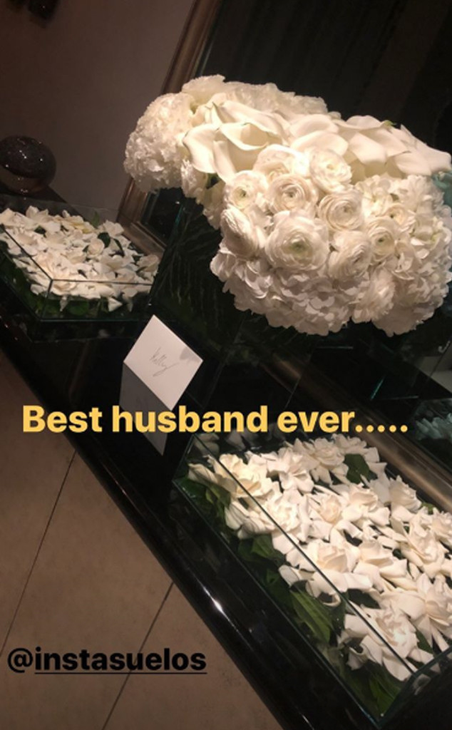 Mark Consuelos, Kelly Ripa, Bday Flowers, Instagram