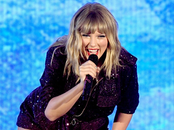 """Taylor Swift's Song """"Christmas Tree Farm"""" Is More Magical Than You Ever Imagined"""