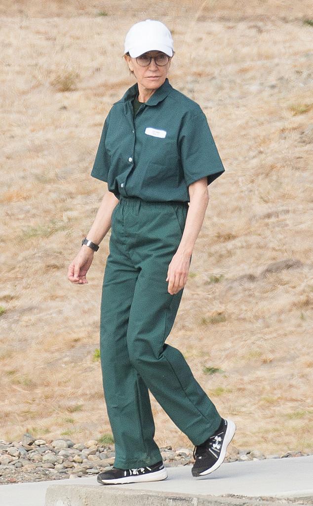 Felicity Huffman, prison jumpsuit