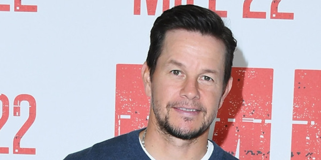 12 Eggs, 8 Meals and 7,000 Calories: Here's Exactly How Mark Wahlberg Gained 20 Pounds in 3 Weeks - E! Online.jpg