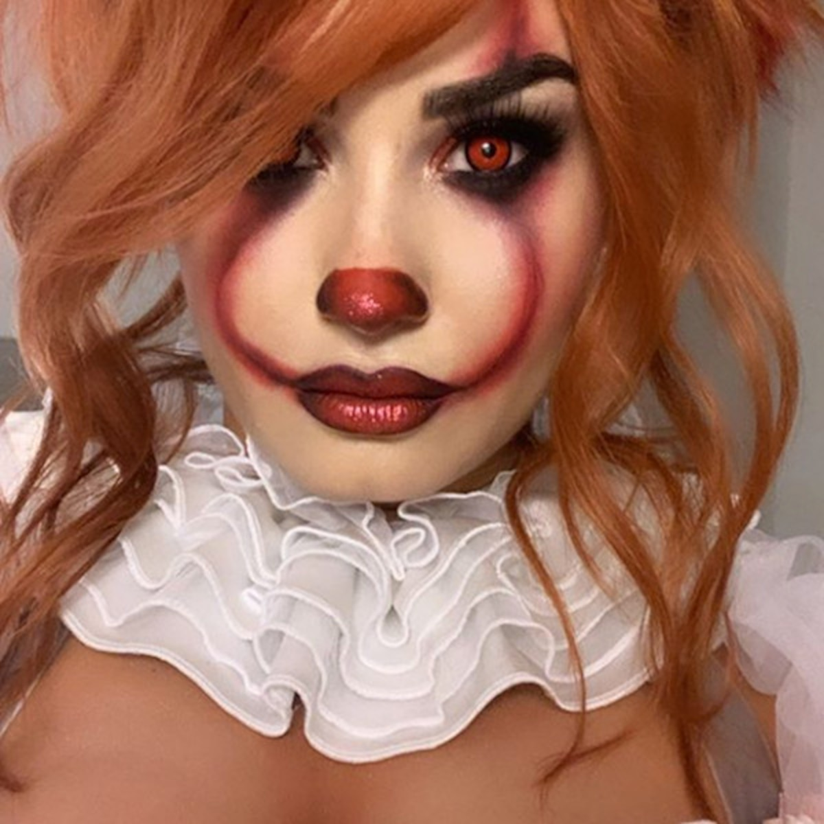 Demi Lovato Dresses Up As Lady Pennywise At Her Halloween Party