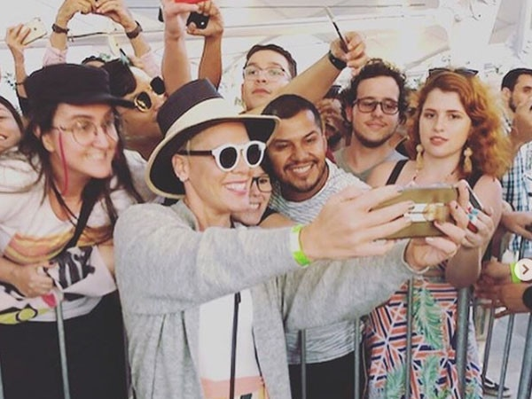 See the Best On-the-Road Pics From the PCAs Concert Tour Nominees, Including Jennifer Lopez, P!nk & More!