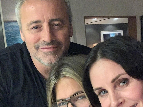 Yup, Jennifer Aniston Misses <i>Friends</i> as Much as We Do