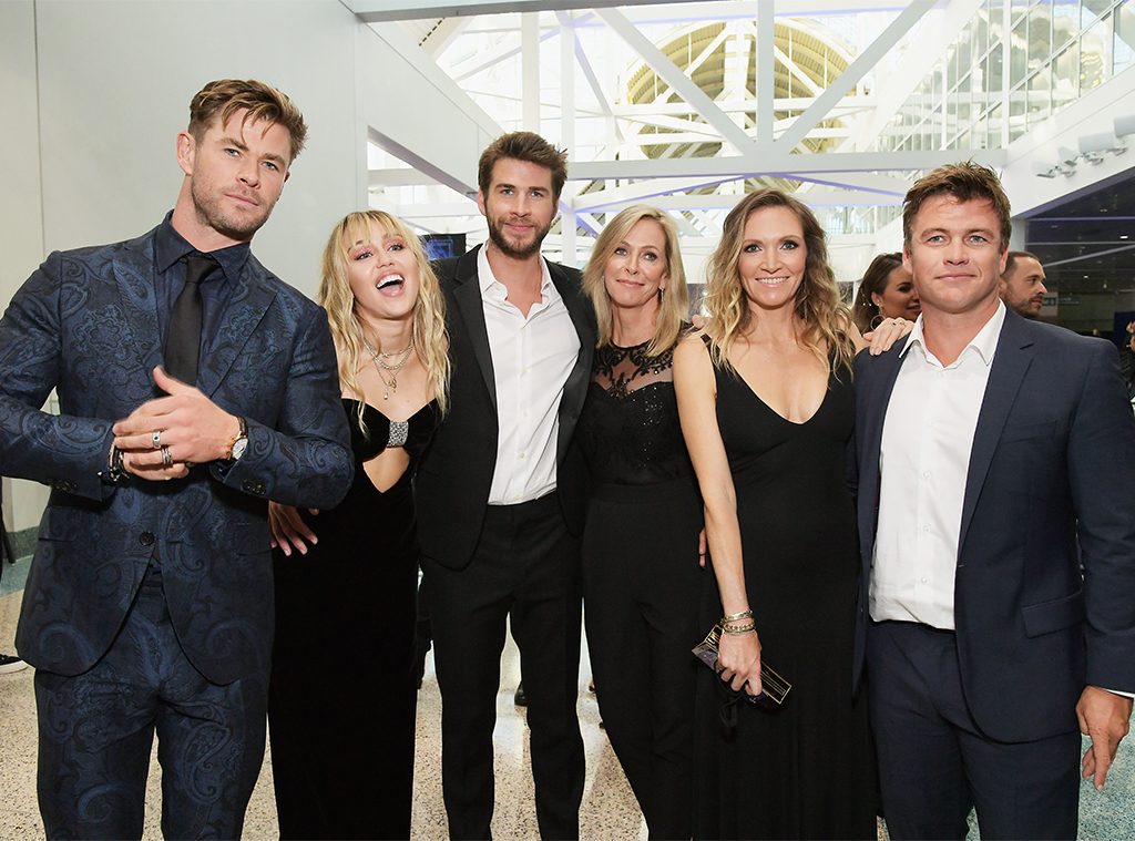 Chris Hemsworth, Miley Cyrus, Liam Hemsworth, Leonie Hemsworth, Samantha Hemsworth, Luke Hemsworth