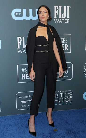 Critics' Choice Awards 2020 Red Carpet Fashion Mandy Moore, 2020 Critics Choice Awards, Red Carpet Fashion