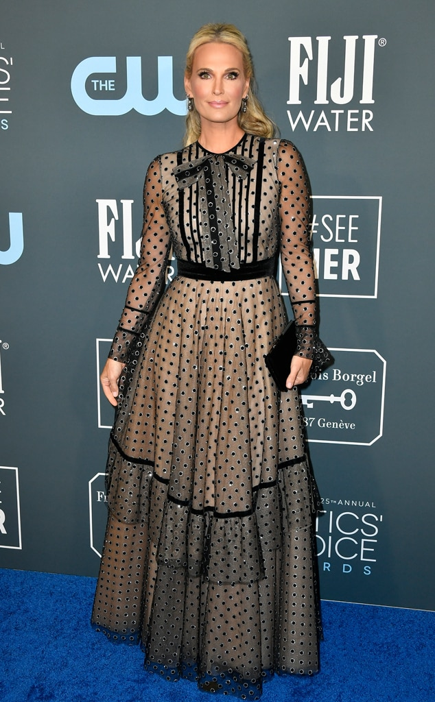 Molly Sims, 2020 Critics Choice Awards, Red Carpet Fashion