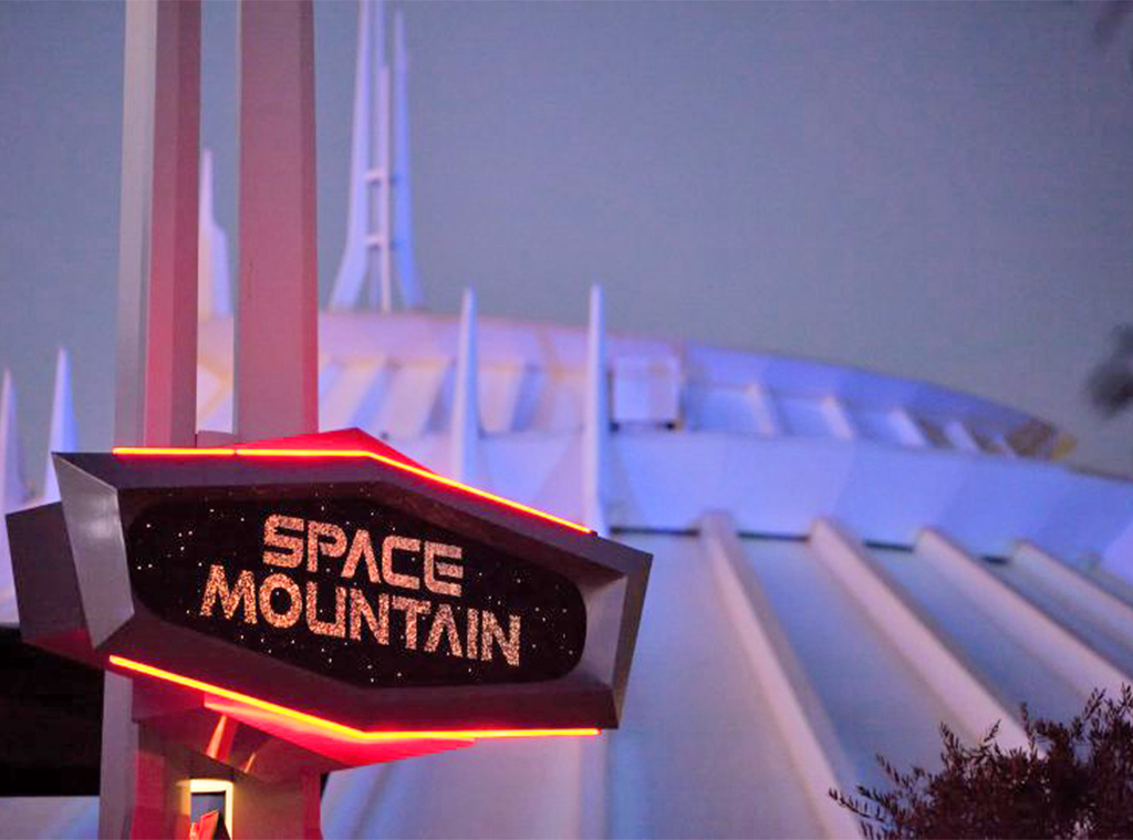 Disneyland, Space Mountain