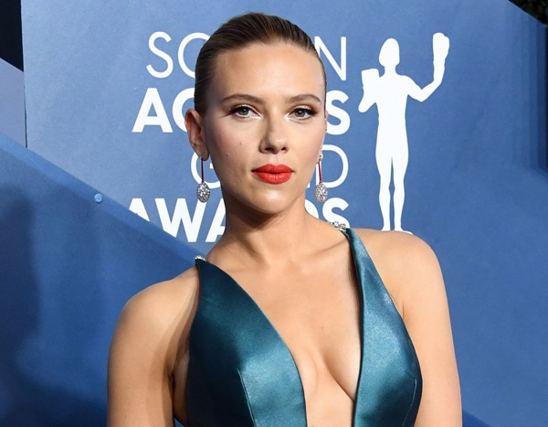 Scarlett Johansson and Her Stunning Teal Gown Shut Down the 2020 SAG Awards Red Carpet