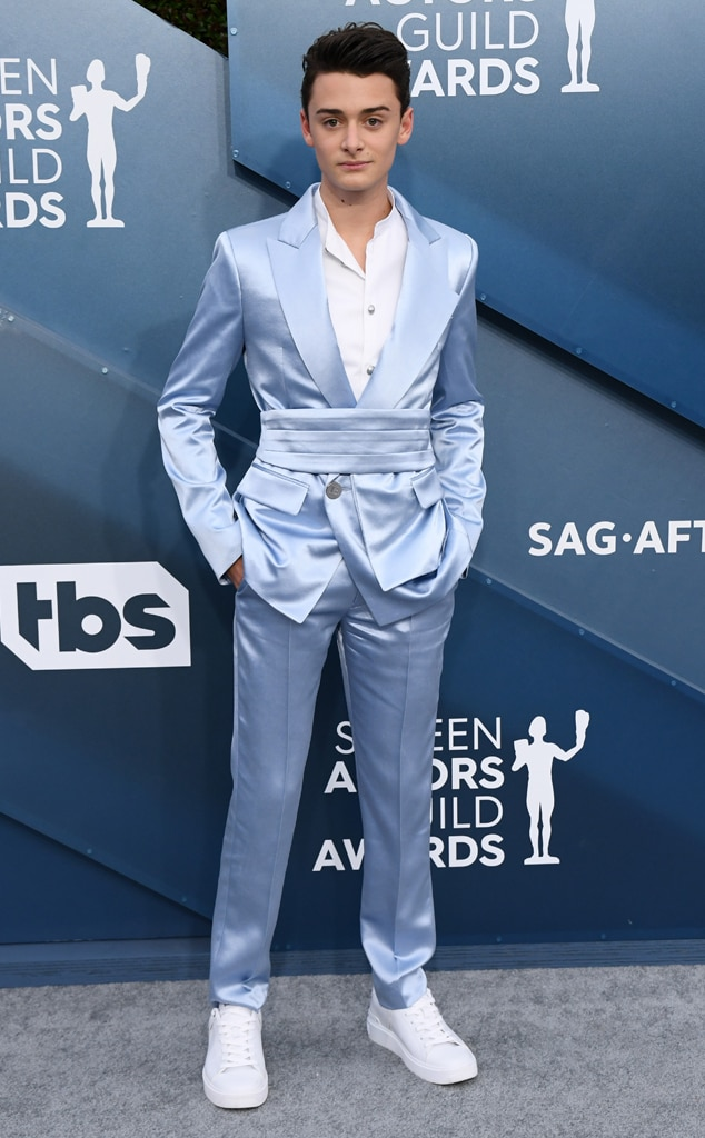 Noah Schnapp, 2020 Screen Actors Guild Awards, SAG Awards, Red Carpet Fashions