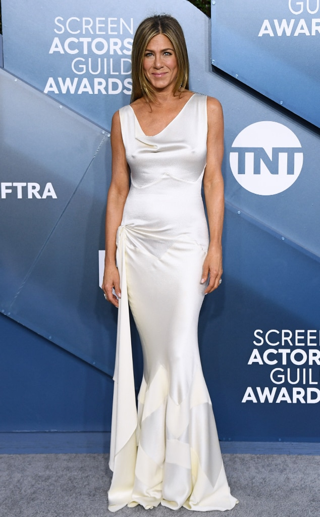 A foto mostra o look da atriz Jennifer Aniston no SAG Awards