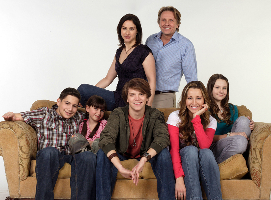 "Life With Derek Stars React to All That ""Incest"" Speculation - E ..."