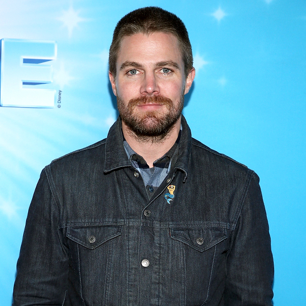 Arrow's Stephen Amell Suffers a Panic Attack in the Middle of an Interview