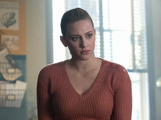 <i>Riverdale</i> Plays Football, Uncovers Evil Football Scheme
