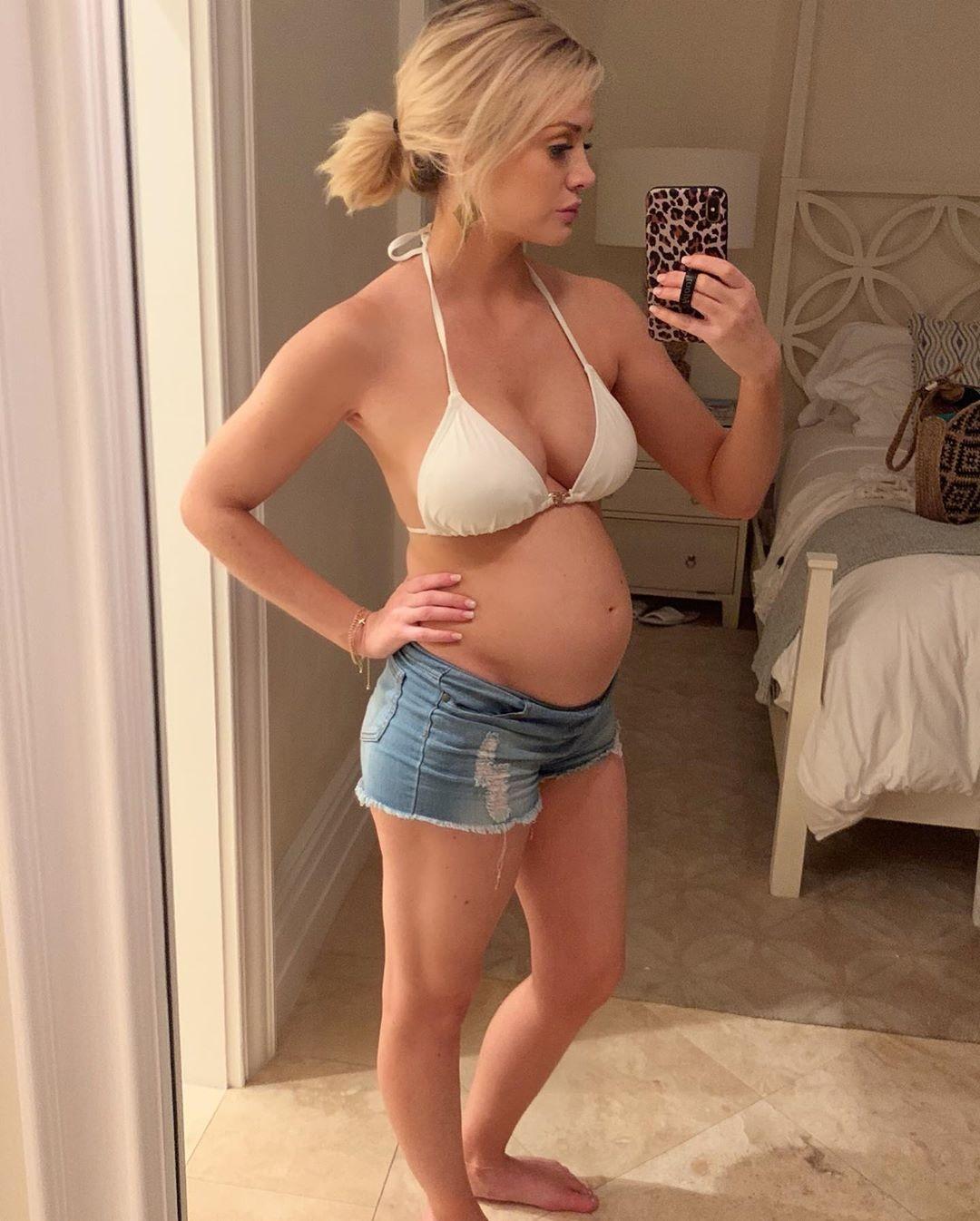 Jenna Cooper, Instagram