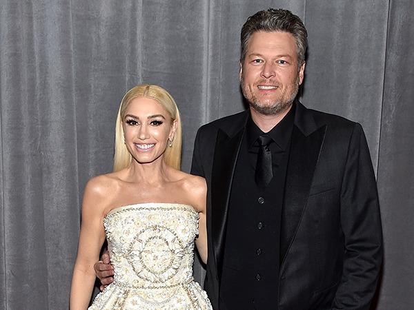 Gwen Stefani Straddles Blake Shelton During Surprise Duet Performance