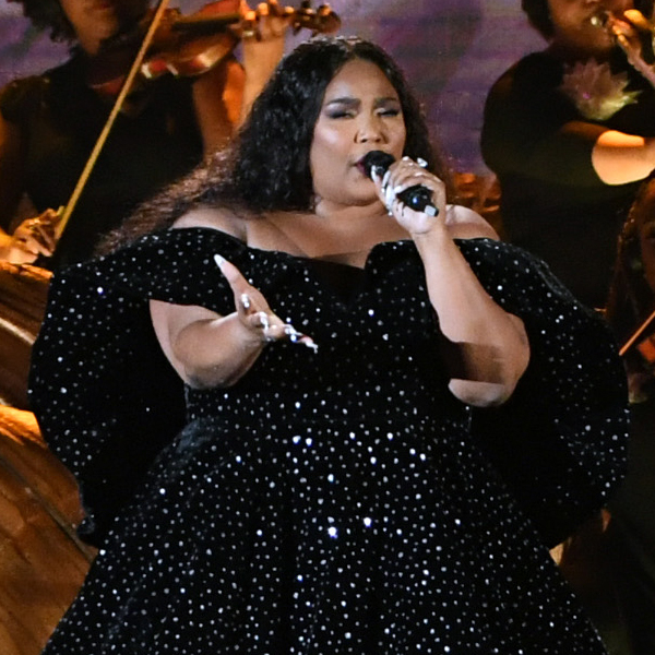"""Lizzo Opened the Grammys With an Appearance From Sasha Flute & a Promise That """"Tonight Is For Kobe"""""""