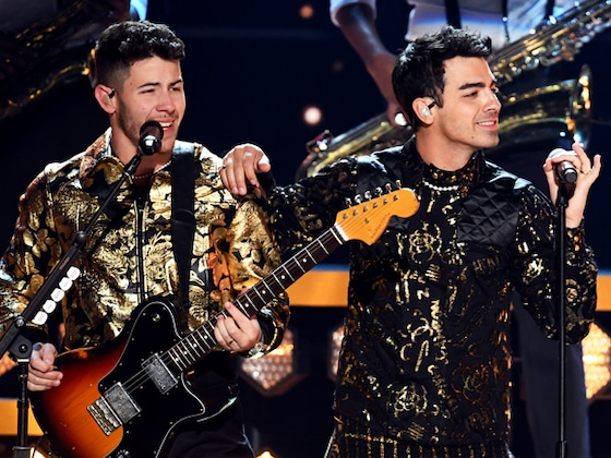 Nick Jonas Reveals What Was Really in His Teeth During Grammys 2020 Performance