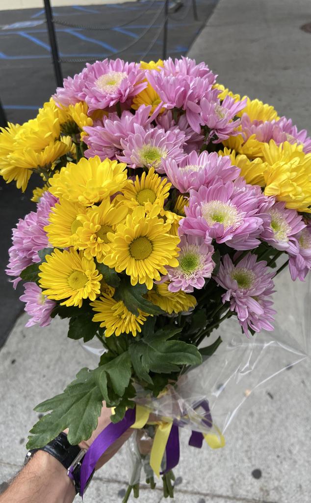 Koe Bryant, Flowers