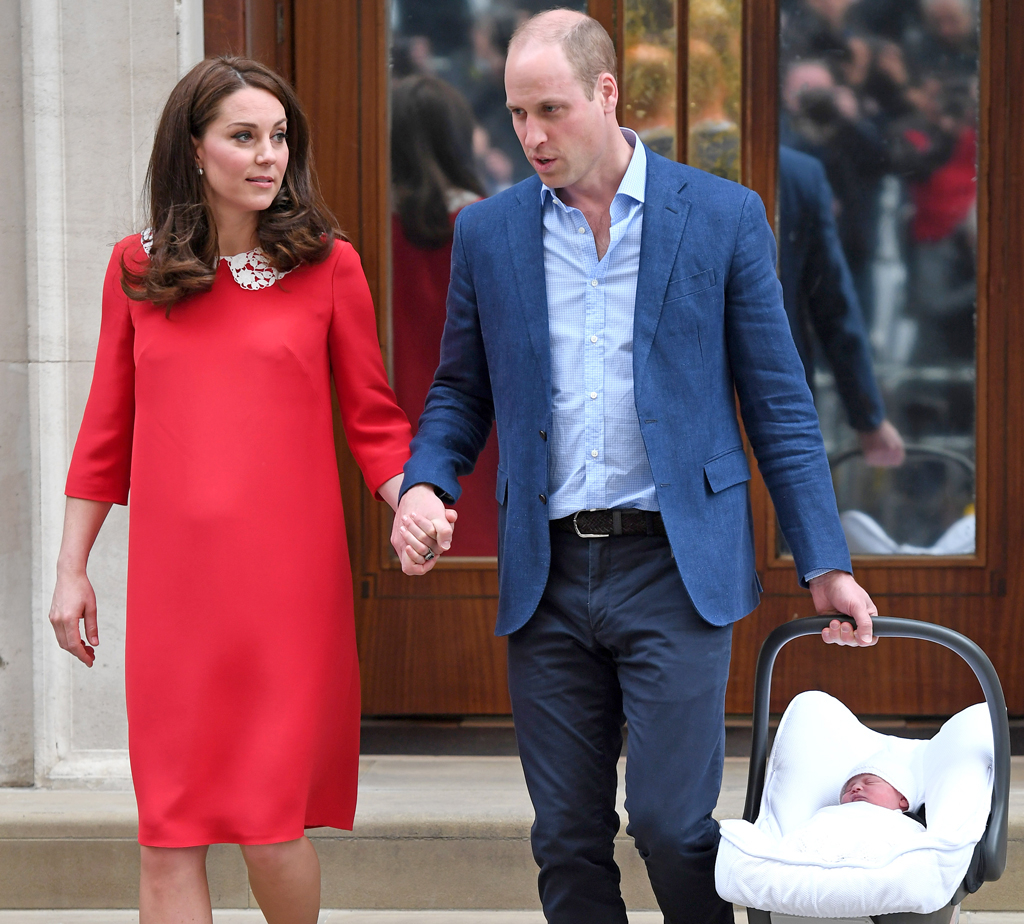 Prince William, Kate Middleton, Prince Louis, Holding Hands