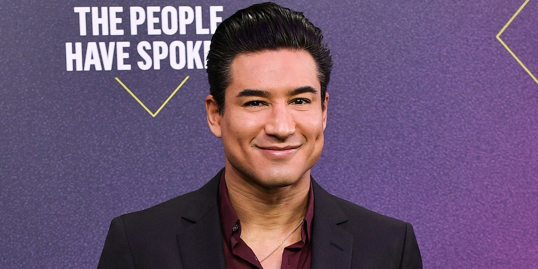 Mario Lopez's Golden Globes Post About Dog Poop Perfectly Sums Up This Past Year - E! Online.jpg