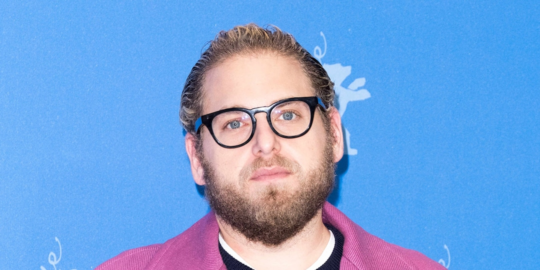 Jonah Hill Reacts to Paparazzi Taking Shirtless Pics of Him With Message About Body Acceptance - E! Online.jpg