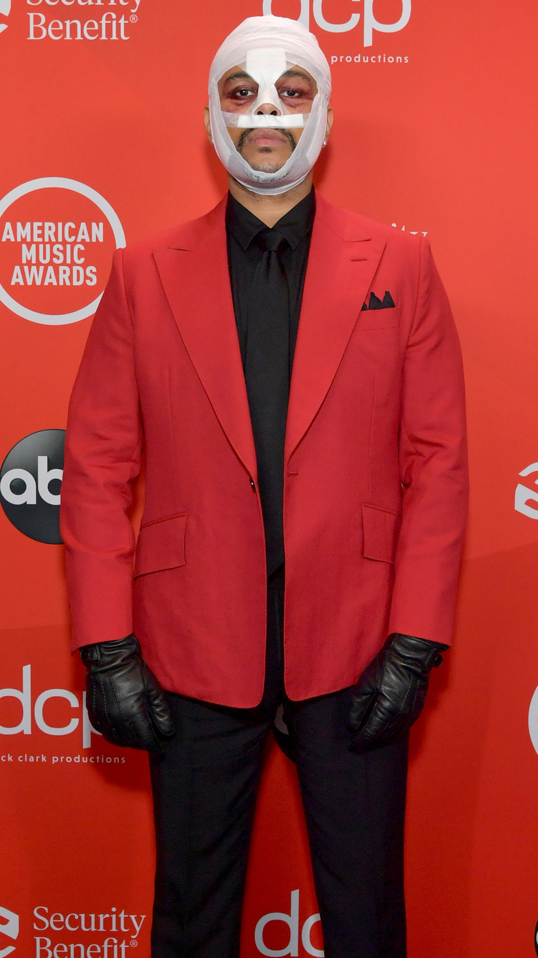 The Weeknd, 2020 American Music Awards, AMAs, red carpet fashions