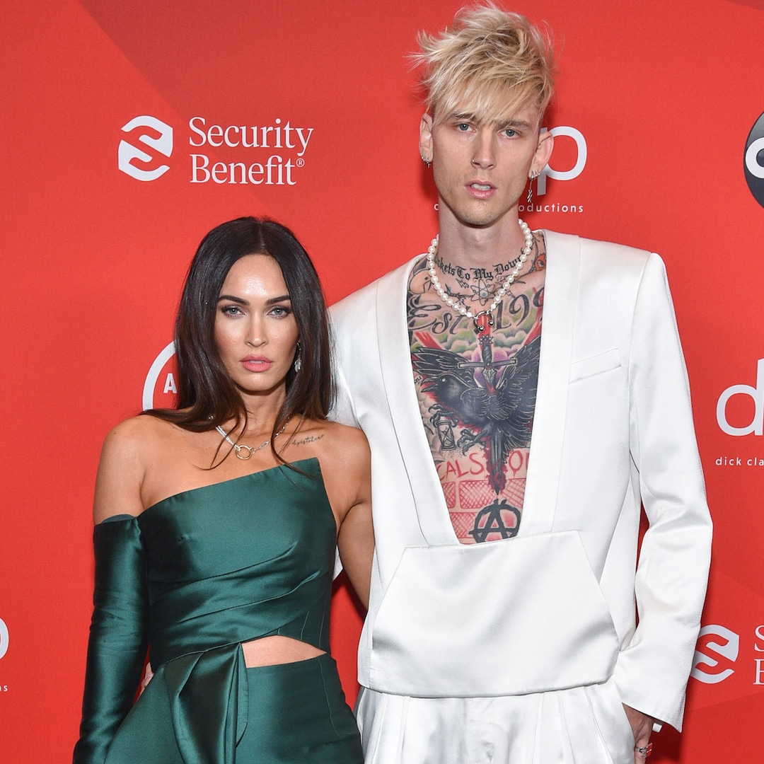 Megan Fox and Machine Gun Kelly Make Their Red Carpet Debut at the 2020 American Music Awards - E! NEWS