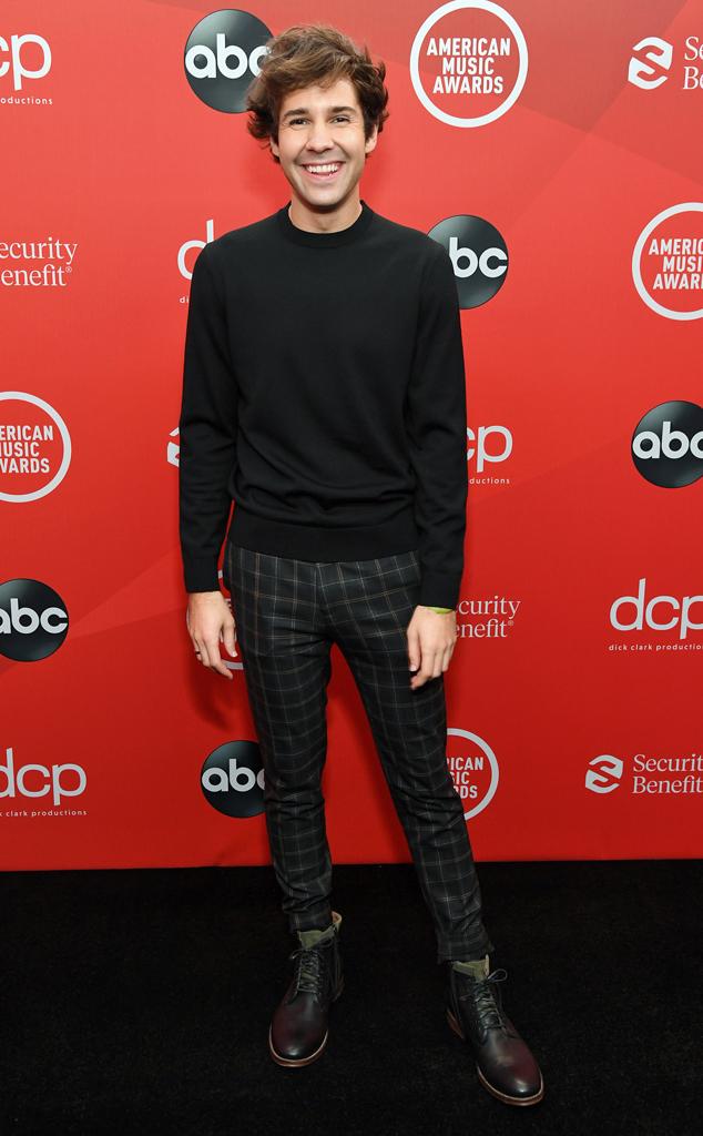 David Dobrik, 2020 American Music Awards, AMAs, red carpet fashions