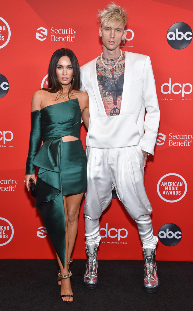 Megan Fox, Machine Gun Kelly, 2020 American Music Awards, AMAs, red carpet fashions