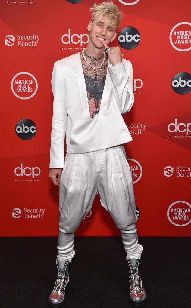 Machine Gun Kelly, 2020 American Music Awards, AMAs, red carpet fashions