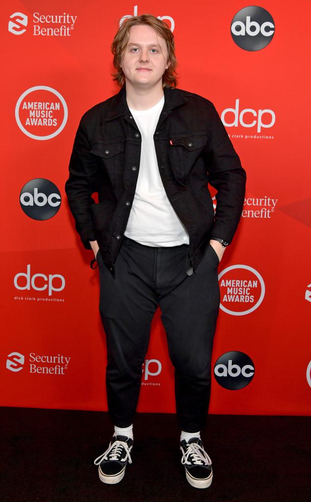 Lewis Capaldi, 2020 American Music Awards, AMAs, red carpet fashions