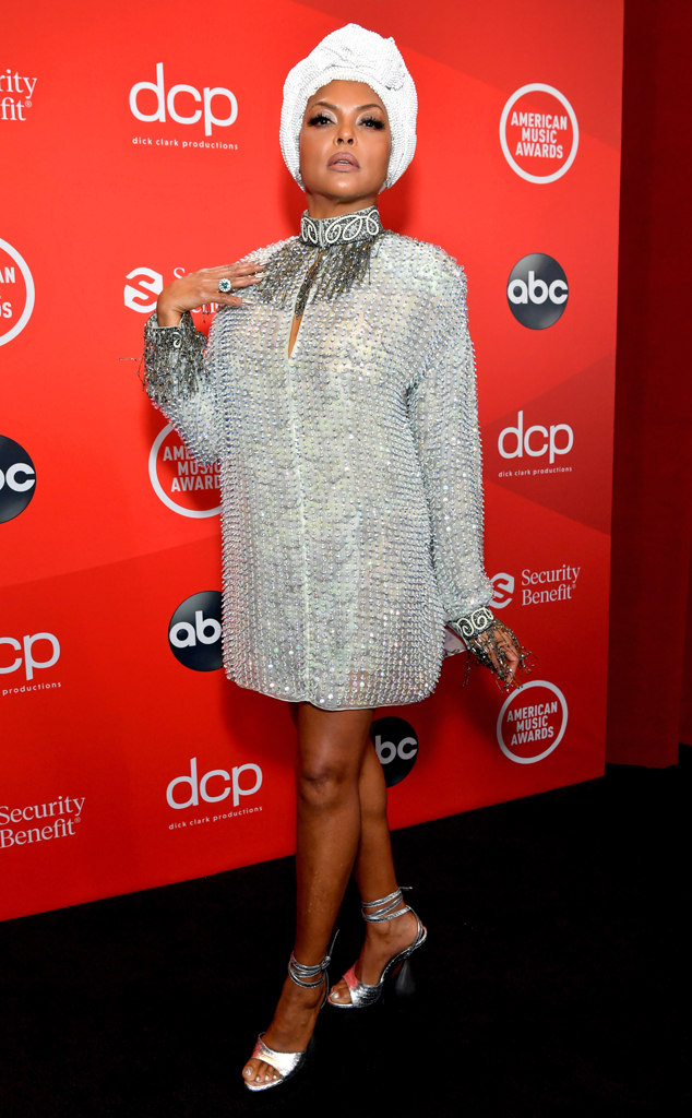 Photos from All the Sparkly Looks at the 2020 American Music Awards - E!  Online - UK