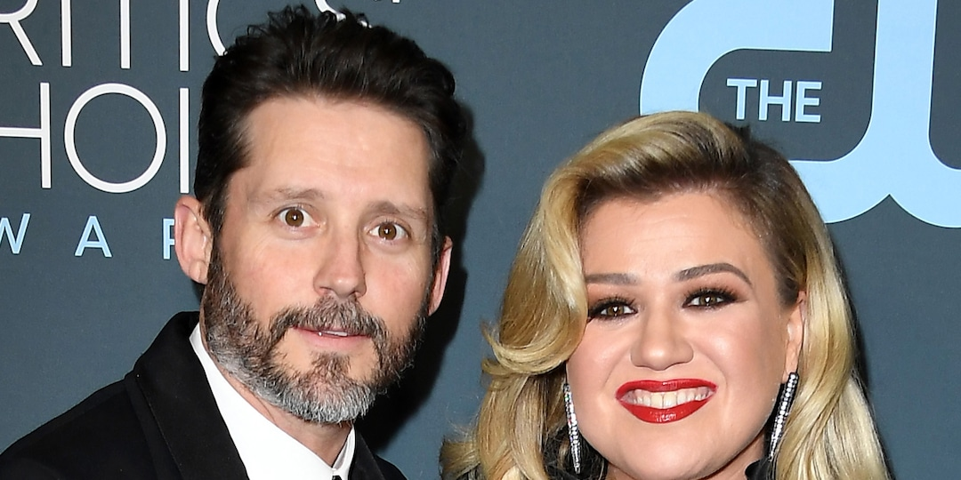 Kelly Clarkson to Pay Ex Brandon Blackstock Almost $200,000 a Month in Spousal and Child Support - E! Online.jpg