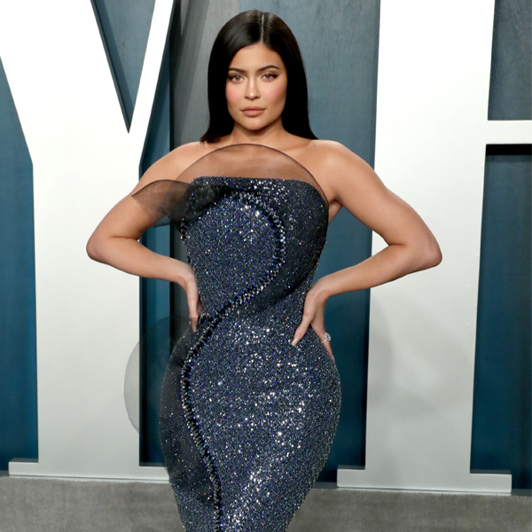 Kylie Jenner Couldn't Sit In Her Oscars Dress—But It Was Worth It