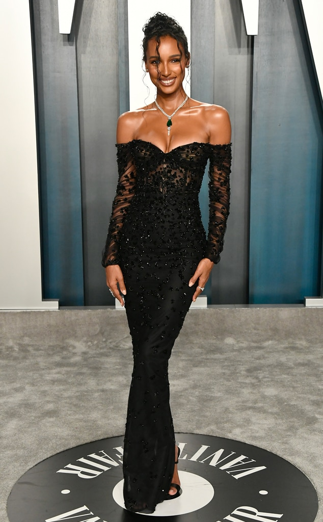 See The Vanity Fair Oscars After Party 2020 Red Carpet Looks E Online Ap