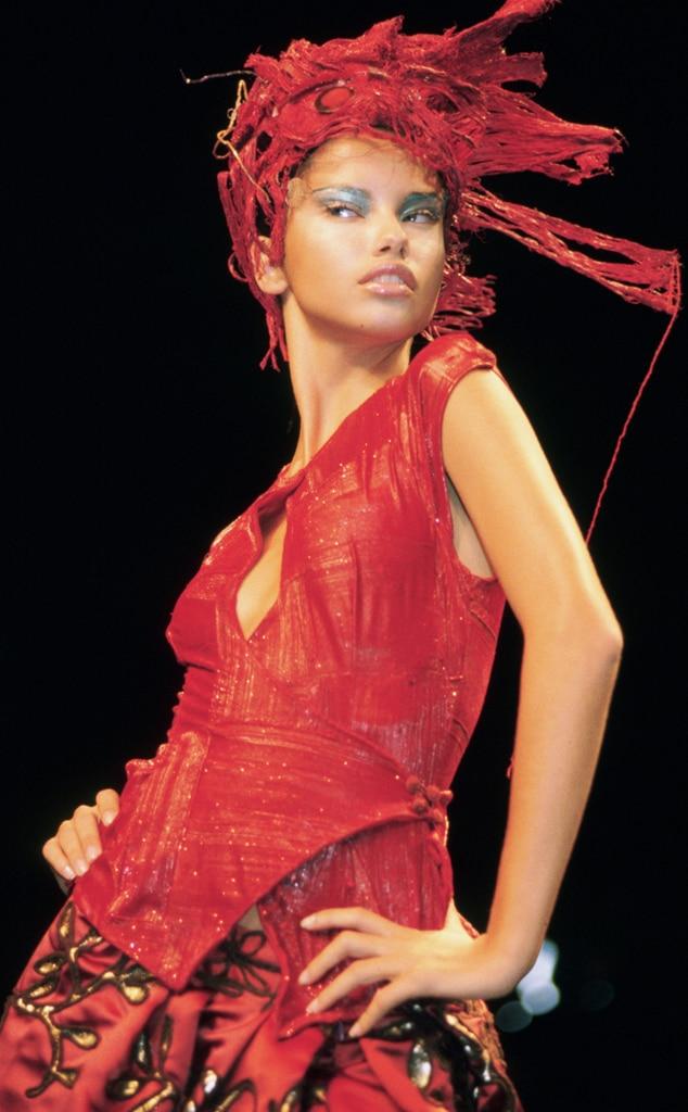 Adriana Lima, Fashion Week 2000