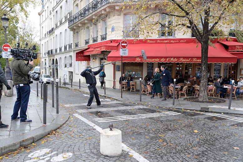 Modern Family Paris