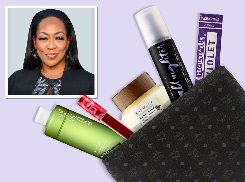 E-Comm: Tichina Arnold, What's In Her Bag