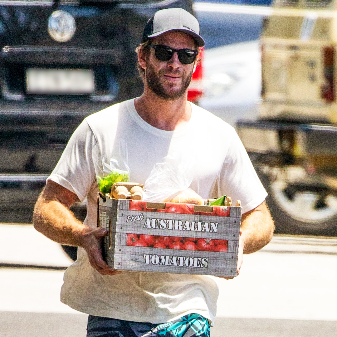 rs 1200x1200 201222073003 1200 Liam Hemsworth Australian Tomatos Shorts Hat Vans Swim Trunks ch 122220