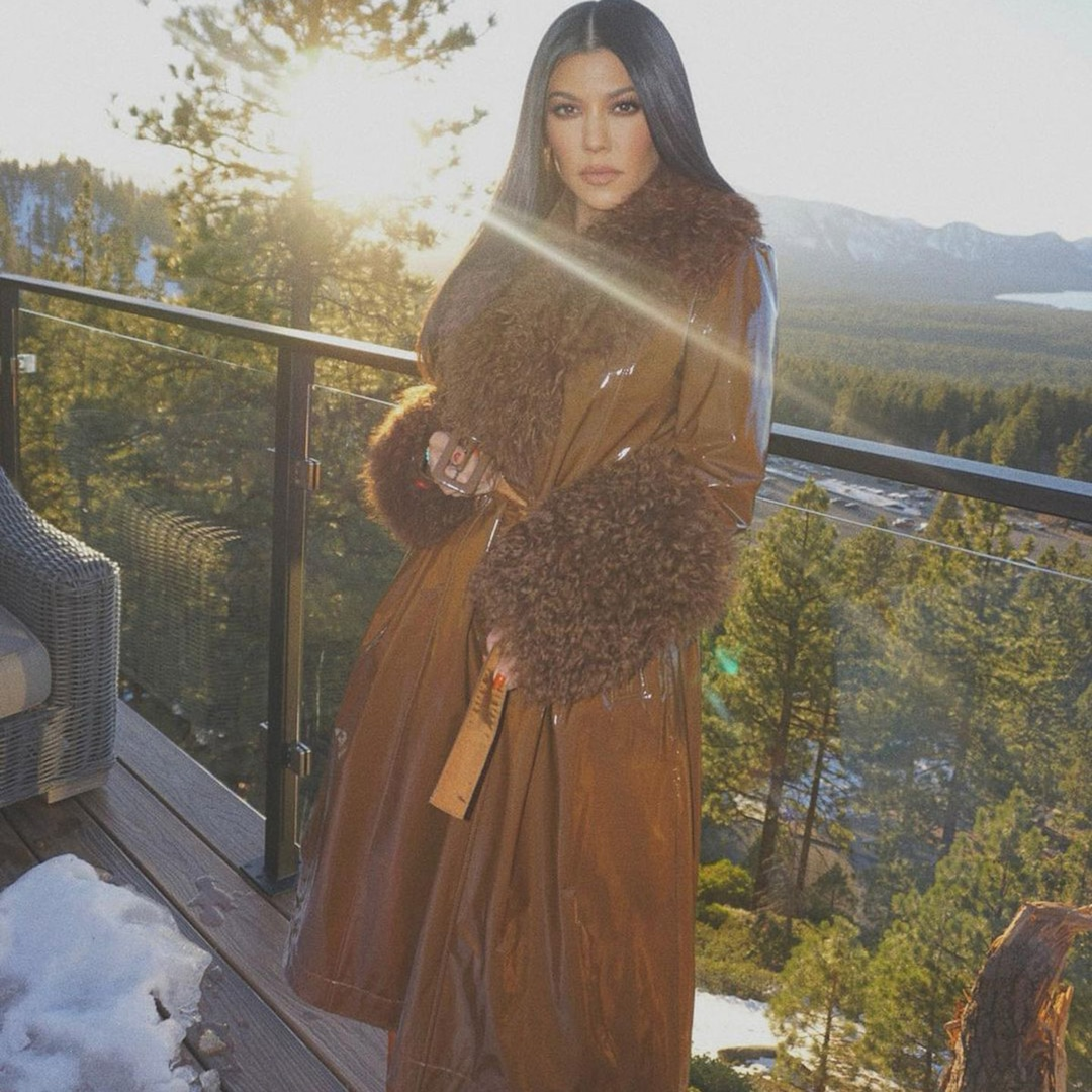 Photos from The Kardashian-Jenners' Winter 2020 Vacation.jpg