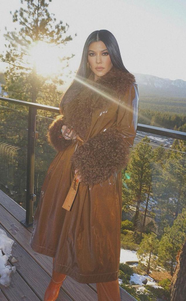 Kourtney Kardashian, Kardashian-Jenner Winter Vacation, Instagram