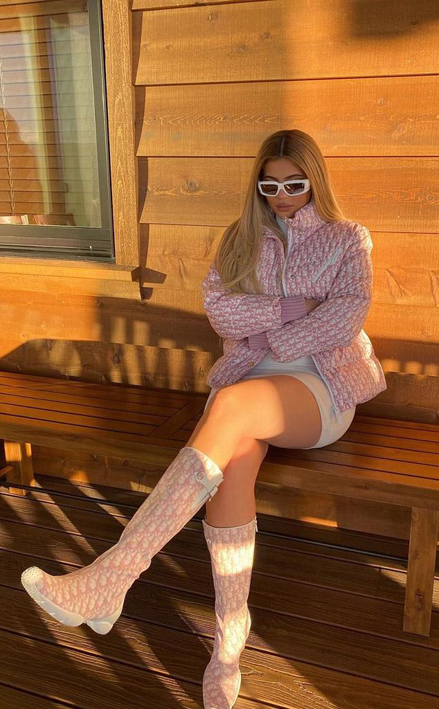 Kylie Jenner, Kardashian-Jenner Winter Vacation, Instagram