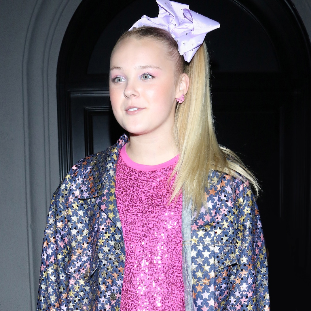 """JoJo Siwa Responds to Controversial """"JoJo's Juice"""" Board Game Featuring """"Inappropriate Content"""" thumbnail"""