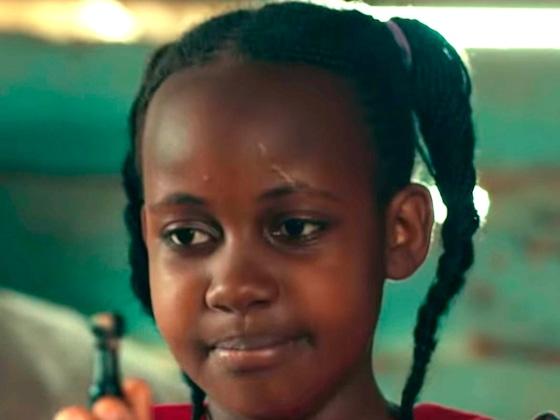 <i>Queen of Katwe</i> Star Nikita Pearl Waligwa Dead at 15