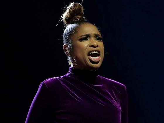 Jennifer Hudson Gives Touching Kobe Bryant Tribute at the 2020 NBA All-Star Game
