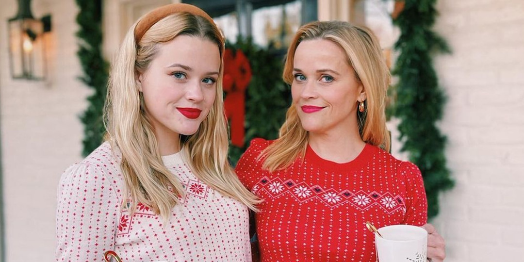 Reese Witherspoon's Latest Selfie With Daughter Ava Phillippe Proves They Must Be Twins - E! Online.jpg