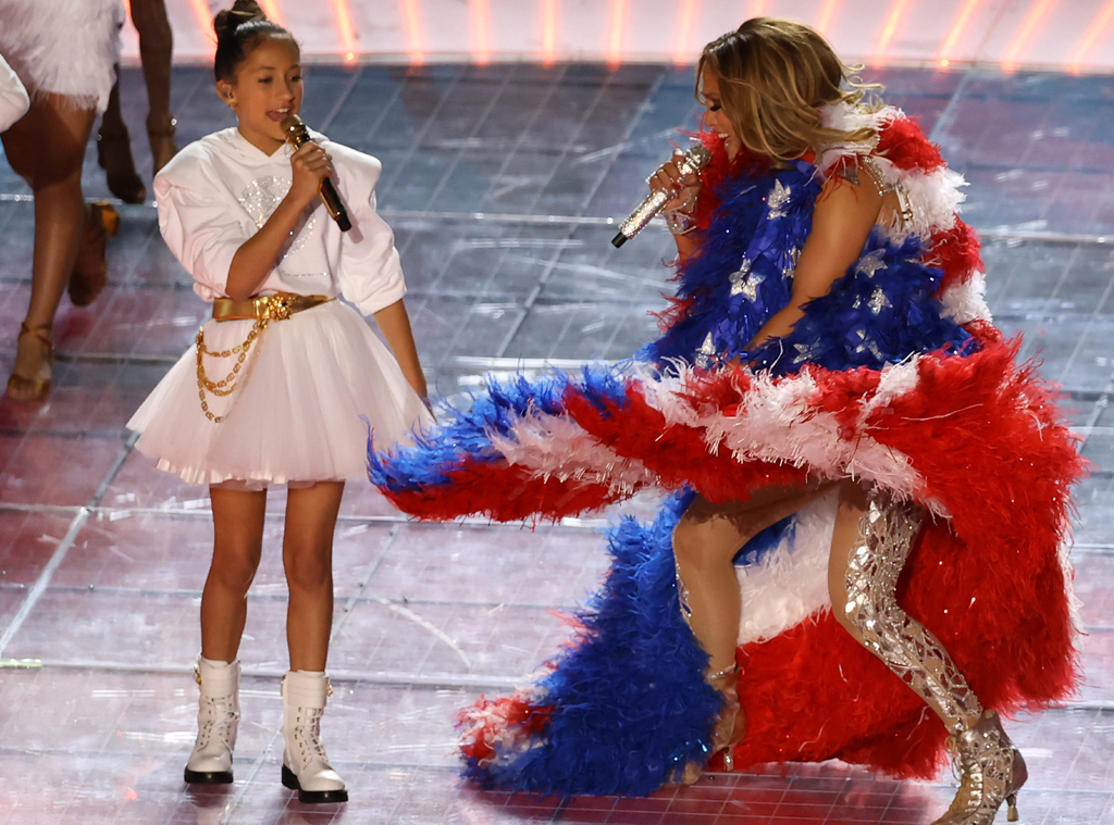 Jennifer Lopez, daughter Emme Maribel - Super Bowl 2020 Halftime Show