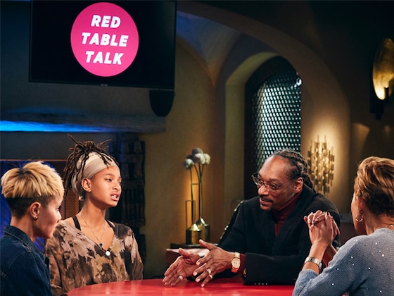 "Jada Pinkett Smith Has ""Healing"" Conversation About Gayle King With Snoop Dogg in New Red Table Talk"